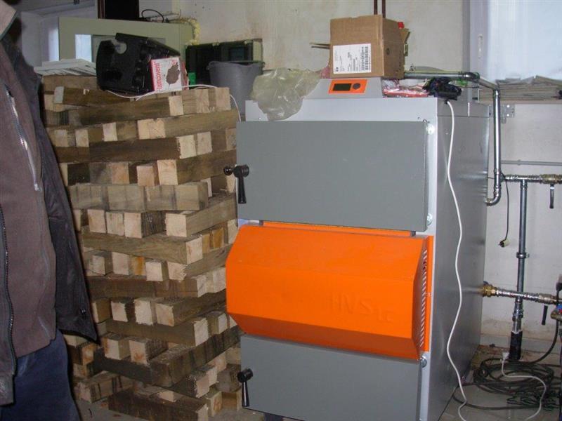 Houtblokken In Huis : Centrale verwarming op houtblokken biomassa houtketel